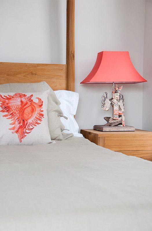Expressionsmetis Lighting Wood Carving Bedside Lamp