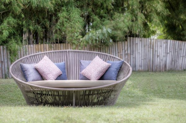 Expressionsmetis Synthetic Flat Rattan Furniture Love Bed Sun Lounger Coccoon